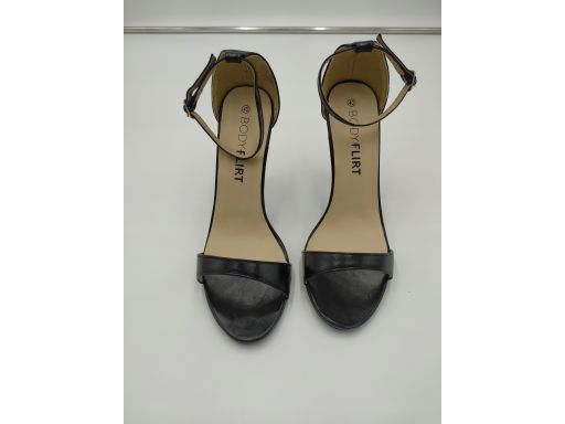 B.p.c sandały na szpilce czarne *40